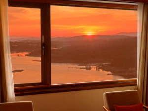 客室から望むあご湾の夕景