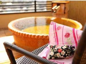 当館自慢のお風呂はすべて源泉かけ流し100%。心も体もさっぱりします。