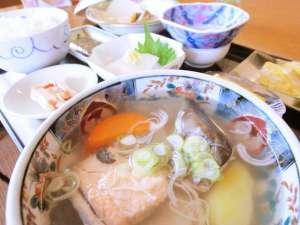 ◆朝食メニューは日替わりです。地元産食材の手作り料理をお召し上がりください。