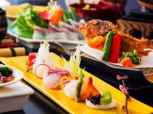 旬の春野菜と共に桜鯛や白鷲サーモンなど春の旬の食材をふんだんに使った『桜鯛と春野菜の会席』