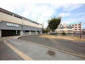 愛知環状鉄道・新上挙母駅前。JR東海道線の岡崎と中央線の高蔵寺を結ぶ第三セクターです。