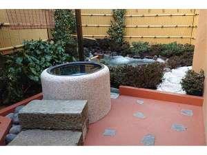 4月7日より庭園風呂OPEN☆池と花をご覧になりながら入る露天風呂です♪