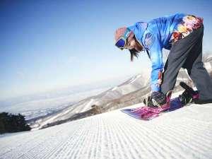 【ファーストライド】スキー場オープン前の圧雪バーンを滑る優待プログラム※宿泊者様無料