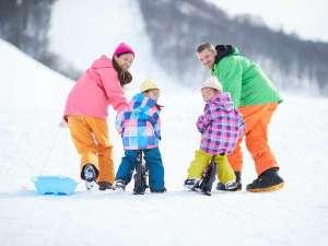 【お子様レンタル無料】小学生以下はスキー・スノーボ―ドセット、ウェア、小物、ソリのレンタル無料!