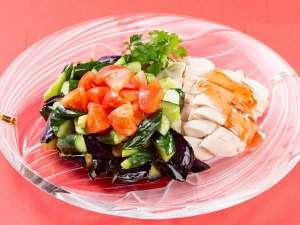 【太陽のサンマルシェ】蒸し鶏と茄子の冷菜