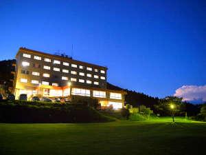 グラウンドゴルフ場からのホテル景観です。