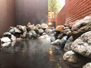 露天風呂/モール温泉の優しい泉質がお肌を滑らかにしてくれます。