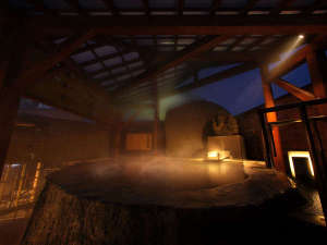 【東湯】巨大な蔵王石を丸々くり抜いた『龍神の湯』