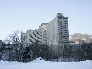 ・【外観】冬の定山渓ビューホテル外観です。
