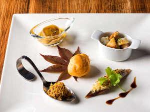 【ZEN・一例】まずは旬の食材をお楽しみ頂く最初の一皿から。