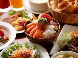 北海道の旨いのものが並ぶ朝食。1日のエネルギーをチャージ♪