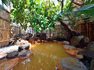 **【露天風呂】1500年以上の歴史を誇る日本屈指の古湯です。