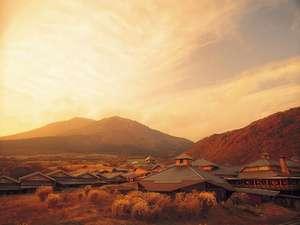 ホテル周辺はススキの草原となり、秋らしい雰囲気に。