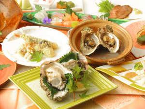 日本海の岩牡蠣は☆『夏が旬』☆ お刺身で、蒸しで、天婦羅で!ぷりっぷりの大ぶり肉厚をめしあがれ(^^♪