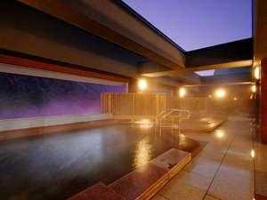 【天空露天 朝陽山】夜の入浴もおすすめです。お寛ぎください