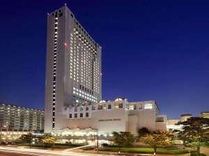 客室は全室30平米以上・14階以上の高層シティホテル(夜景イメージ)