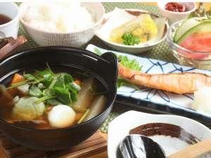 和食御膳(すいとん・焼き魚・卵焼き・サラダ・ご飯)