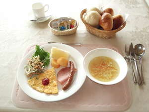 朝食の一例。健やかな高原の朝の始まりに…