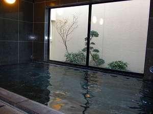ゆっくり足を伸ばして疲れを取りたいですね。当館自慢の大浴場です。