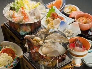 えりも産の真ツブ貝とホッキ貝を焼いてお召し上がりください。