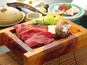 【夕食】人気の津軽たにかわ愛情牛すき焼き