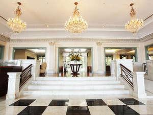 モダンヨーロピアンスタイルのホテルロビー