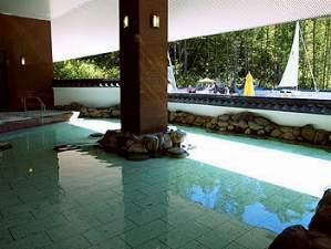 「露天風呂」ゆったりのんびりと湯浴をお楽しみ下さい。