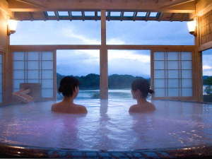 【絶景の露天風呂 ひとりじめの湯】「絹の湯」(昼)