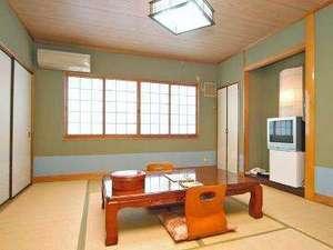 和室タイプのお部屋になります。洗面・トイレは客室についています。