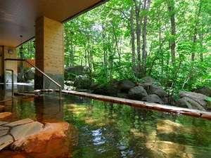 【大自然の湯「川の囁き」】石狩川のせせらぎを聞きながら湯浴みを楽しめます