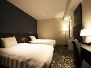 コンフォートツイン広さ24.1㎡・全室シモンズ製ベッド・ベッド幅1200mm×2台・全室Wi-Fi完備