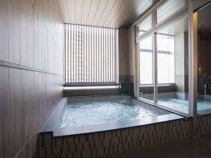 男性 大浴場露天風呂でゆっくりおくつろぎくださいませ