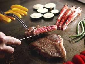 【鉄板焼‐銀杏】素材の味をそのまま活かし、閉じ込める。旬の味覚を、目の前で創り上げます。
