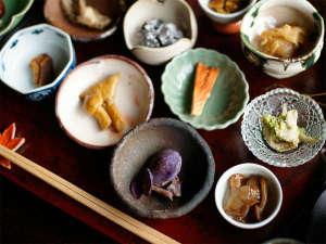 *【夕食一例】月山のその季節の美味しい食材を集めます