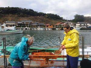 朝一番に、お客様の魚を捕るために漁に出ます