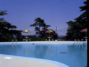 夏休み期間中(7/22~8/27)は屋外プールもオープン