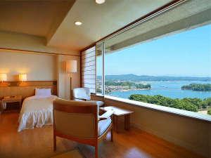 海側の客室からは松島湾が堪能できます(写真はアネックス棟6階)