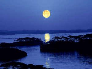 月夜の松島イメージ幻想的な月明りの橋がかかります。