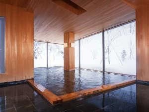 冬の女湯大浴場「鶴の湯」