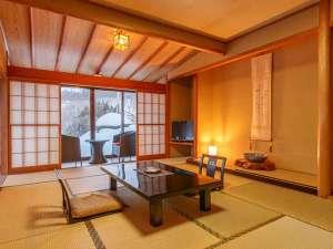 お部屋から庭園の絶景・雪景色を見渡すことが出来ます。