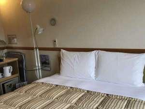 ダブル部屋ベッド