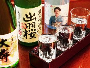 日本酒飲み比べ_女将が厳選した地酒です。お好みがございましたら是非お申し付けください!