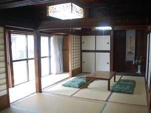 縁側付きの寝室1(5名様まで収容可)