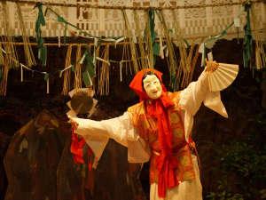 ★国の重要無形民俗文化財に指定されている「高千穂の夜神楽」