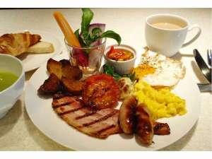 地元の新鮮な食材を使った朝食(イメージ)