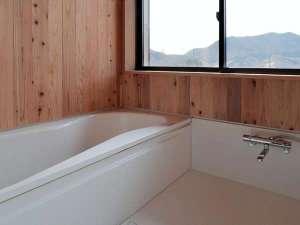 【客室お風呂】シャンプー・リンス・ボディーソープ・フェイスタオル・バスタオルをご準備しております。