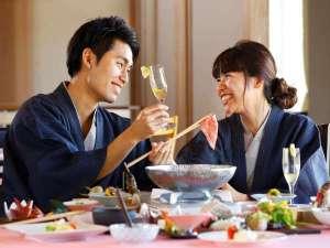 【ご夕食】四季折々の食材を使用したお料理をお楽しみ下さい。