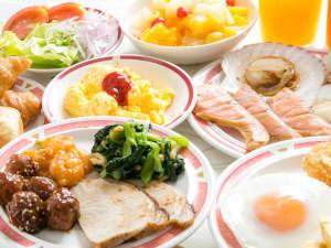 青森らしさにこだわった和食中心のフルバイキングが付いてきます!