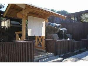 星灯りの宿入り口。京都の麻暖簾がお出迎え。
