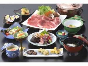 別邸の選べる夕食の一つ。仙台牛のしゃぶしゃぶ又はすき焼き会席。